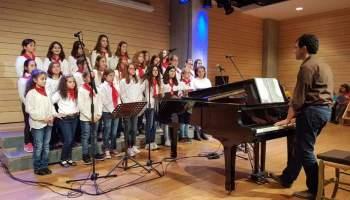 Παιδιά !!!!! Ώρα για τραγούδι !!!! παιδική και νεανική χορωδία ... 3e0c6eb4494