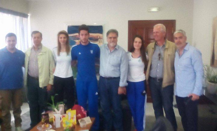 αθλητές και προπονητές στον δήμο Αγίου Νικολάου