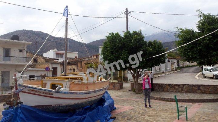 Η βάρκα έπιασε ξηρά και βγήκε στα Λακώνια
