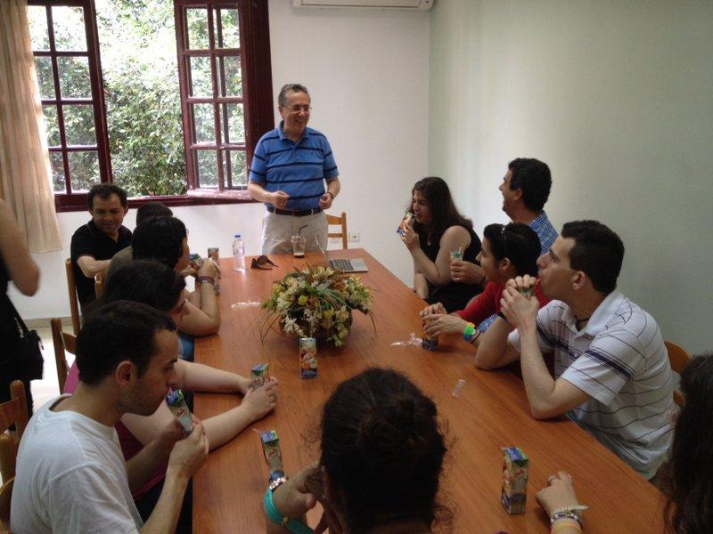 ο δήμαρχος Ιεράπετρας Σήφης Αναστασάκης, με τους μαθητές της Μετάβασις