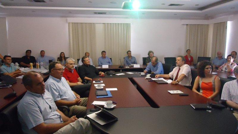 Στην συνάντηση-σύσκεψη στο ΙΤΕ συμμετείχαν εκπρόσωποι του ΙΤΕ του Επιστημονικού και Τεχνολογικού Πάρκου Κρήτης, του Πανεπιστημίου και του Πολυτεχνείου Κρήτης, του ΤΕΙ Κρήτης, του ΕΛΚΕΘΕ, του ΜΑΙΧ, του «ΕΛΓΟ ΔΗΜΗΤΡΑ».