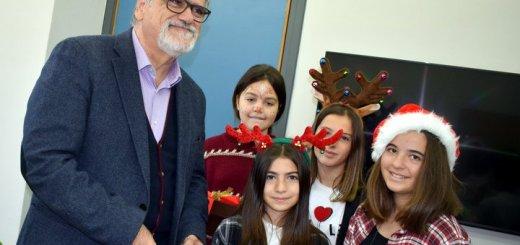 Με μελωδικές φωνές μαθητών πλημμύρισε το δημαρχείο Αγίου Νικολάου