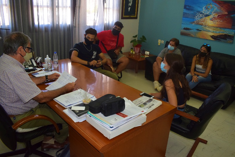 με μαθητές συναντήθηκε ο Δήμαρχος Αγίου Νικολάου