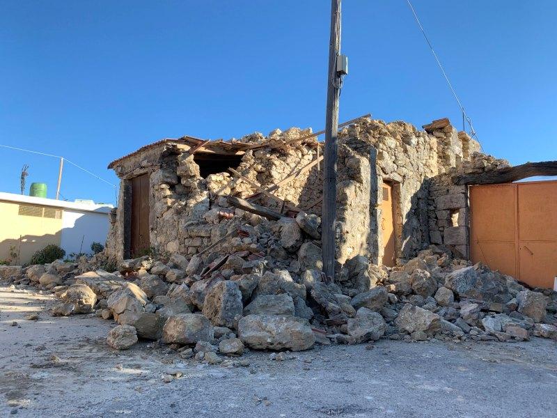 Σε εξέλιξη οι εντατικοί έλεγχοι κτιρίων, στις πληγείσες περιοχές από το σεισμό