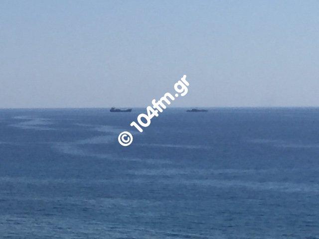 το πλοίο ελέγχεται από πλοίο του πολεμικού ναυτικού ΝΑ της Ιεράπετρας