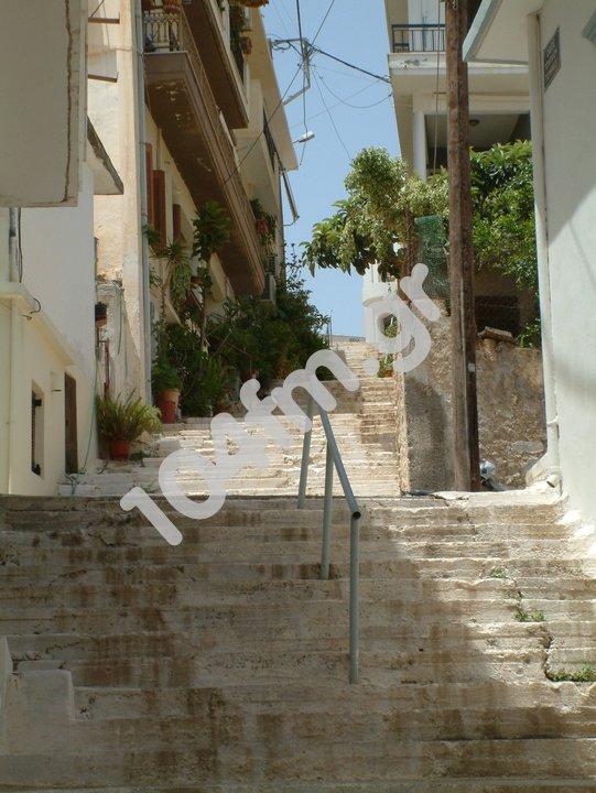 μια από τις 65 σκάλες του Αγίου Νικολάου