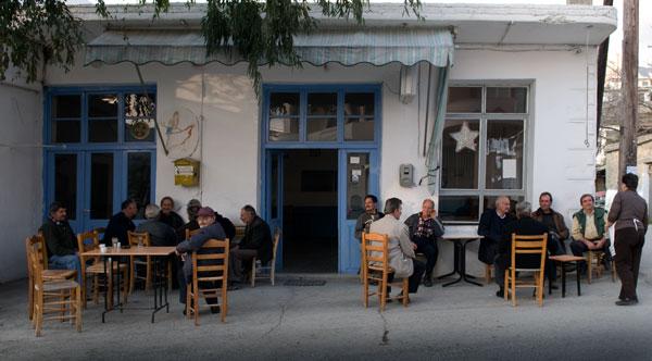 ένα τυπικό καφενείο χωριού