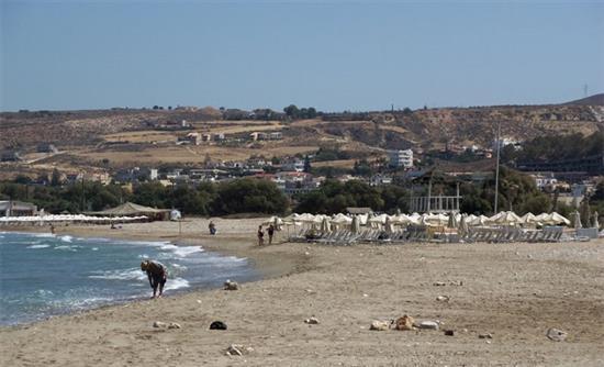 η παραλία του Καρτερού