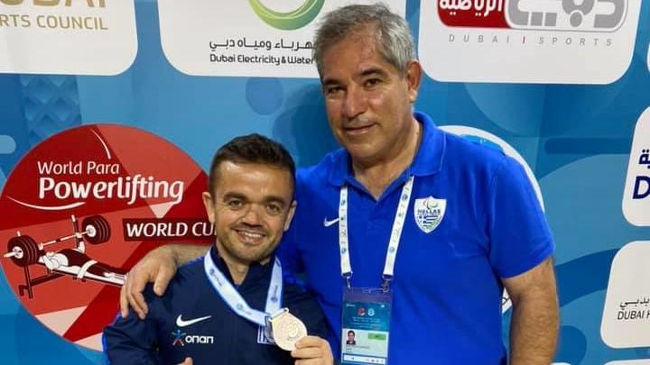 Παγκόσμιο ρεκόρ ο Μαλακόπουλος, χάλκινο ο Μπακοχρήστος