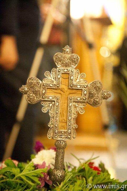 Την Γ΄  Κυριακή των Νηστειών (της Σταυροπροσκυνήσεως), 31 Μαρτίου 2019 και ώρα 6.00΄ μ.μ., η ακολουθία του Κατανυκτικού Εσπερινού θα τελεσθεί στον Ιερό Καθεδρικό Ναό της Αγίας Αικατερίνης πόλεως Σητείας. Στη συνέχεια ο Αιδεσιμολογιώτατος Πρεσβύτερος π. Χαράλαμπος Παπαδόπουλος (π. Λίβυος), Θεολόγος-Συγγραφέας, θα μιλήσει με θέμα: «Όταν στον πόνο συναντάμε τον Θεό». Προσκαλούνται οι ευσεβείς χριστιανοί να μετάσχουν στην παραπάνω λατρευτική εκδήλωση.