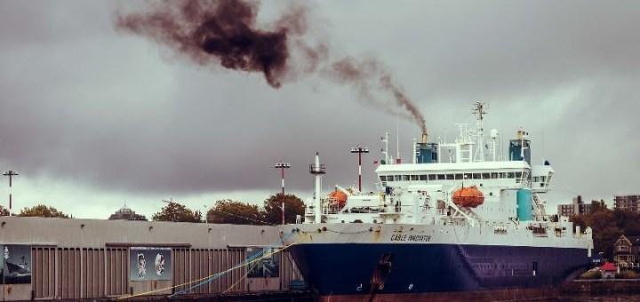Οι μεσογειακές χώρες υποστηρίζουν τη μείωση των ατμοσφαιρικών ρύπων από τη ναυτιλία
