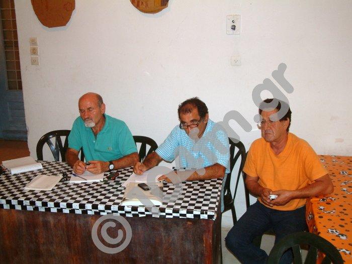 Τομαδάκης με μέλη του πολιτιστικού Καπιστρίου