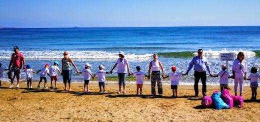 υιοθετώντας την παραλία στην πρώην αμερικανική βάση Γουρνών
