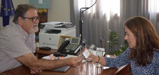 στηρίζει την υποψηφιότητα της Σπινάλογκας, η Victoria Hislop