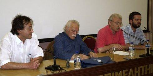 ο Μανώλης Γλέζος με στελέχη του ΣΥ.ΡΙΖ.Α., και υποψηφίους βουλευτές Μανώλη Θραψανιώτη και Μανώλη Μούστο