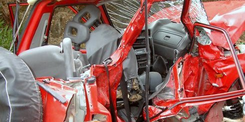 αυτοκίνητο μετά από σύγκρουση