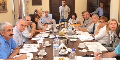 1η συνεδρίαση γνωμοδοτικής επιτροπής Περιφέρειας Κρήτης, υπό τον Γενικό Γραμματέα, Θανάση Καρούντζο