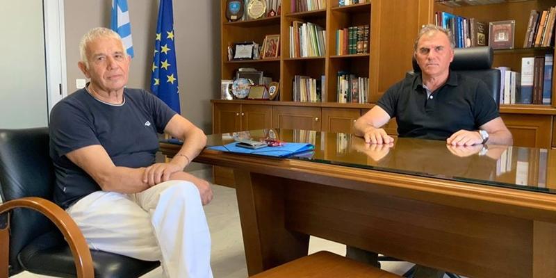 Συνάντηση του δήμαρχου Ιεράπετρας με τον πρόεδρο του πολιτιστικού συλλόγου Καβουσίου