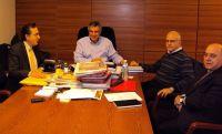 ο κ. Αναστασάκης με τον κ. Καρχιμάκη και υπουργικούς παράγοντες