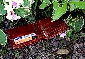 χαμένο πορτοφόλι