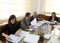 από τη σύσκεψη στη Νομαρχία Ηρακλείου, διακρίνονται από αριστερά, οι νομάρχες Λασιθίου, Ρεθύμνου και Ηρακλείου
