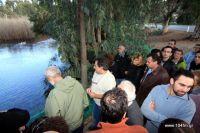 Ο συνεργάτης της WWF Ελλάς, Καλούστ Παραγκαμιάν κατά την πρόσφατη επίσκεψη του, στον υγρότοπο του Αλμυρού Αγίου Νικολάου
