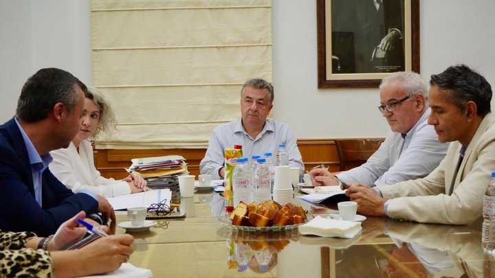 Συνάντηση Περιφερειάρχη, διοικήτριας ΥΠΕ Κρήτης