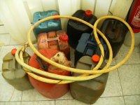 petrol_thieves1