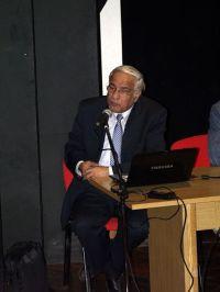 ο Διονύσης Σιμόπουλος απαντώντας στις ερωτήσεις του κοινού