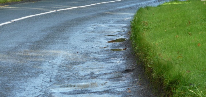 Παρά τις εκκλήσεις για οικονομία, οι δρόμοι σήμερα σύρωναν ....