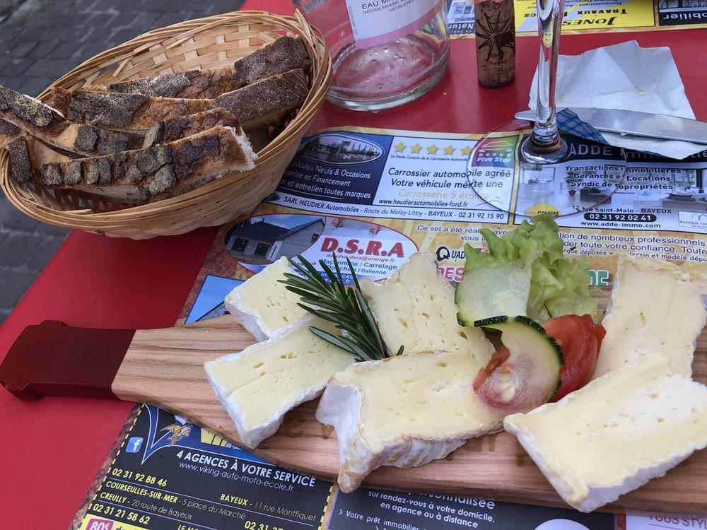 Cinq agences à votre service situées à courseulles sur. Le Volet Qui Penche Pub Bar Bayeux Restaurant Reviews