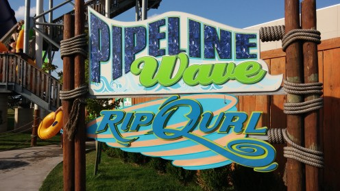 Pipeline Wave Ride at White Water Bay