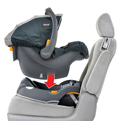 Chicco Keyfit 30 - Our best infant car seat for small cars
