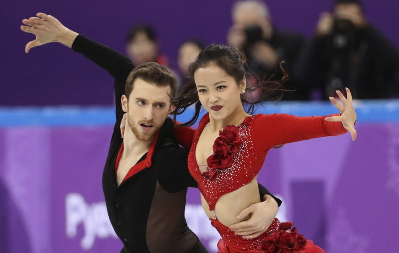 olympic skater sails through wardrobe malfunction 4