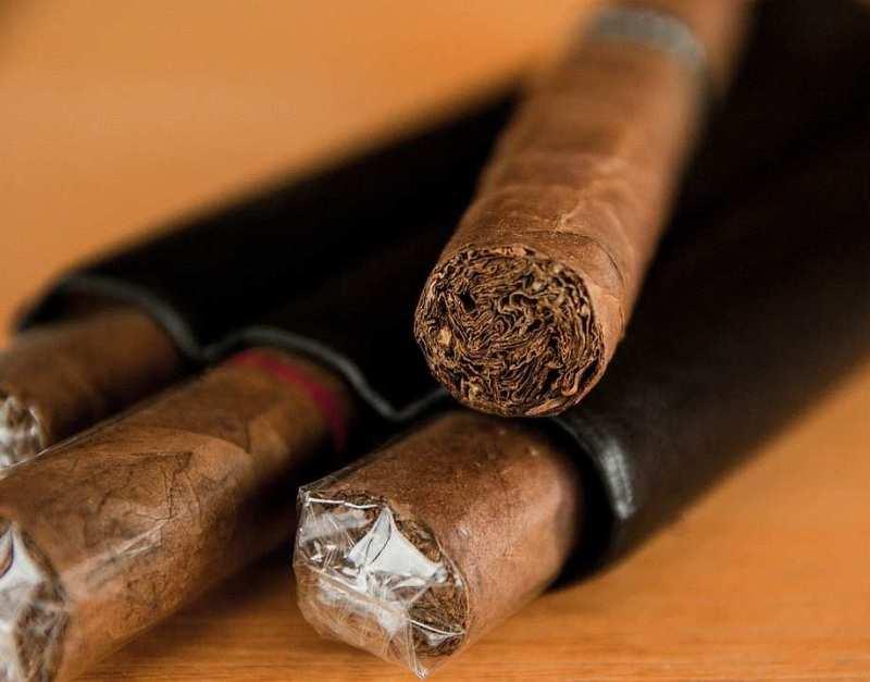 Düzgün sarılmış bir puro