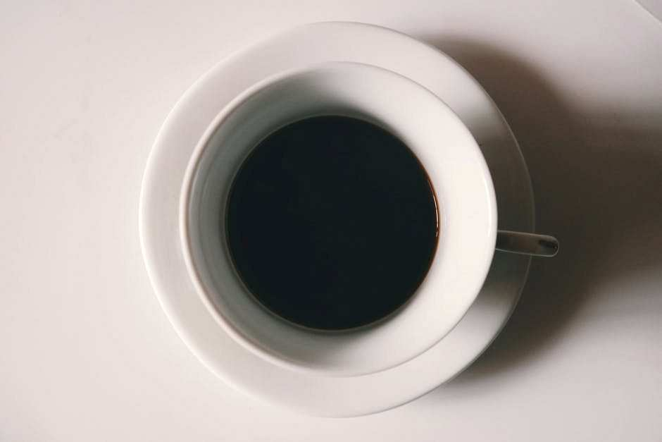 beyaz kahve fincanı