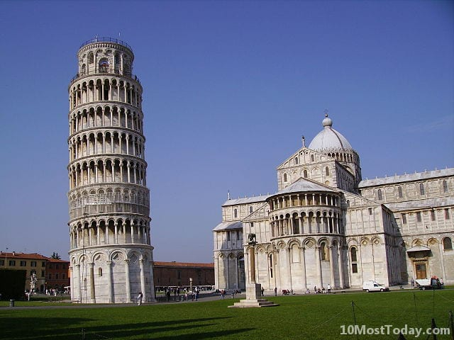 Amazing Bell Towers From Around The World: Leaning Tower of Pisa
