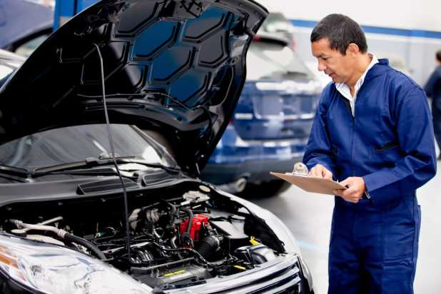 common ways to avoid car accidents: observe proper engine maintenance always
