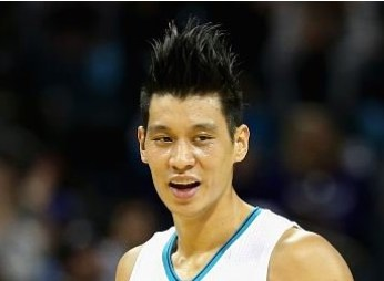 Jeremy-Lins-Spiked-Hair-Is-Growing-In-Size