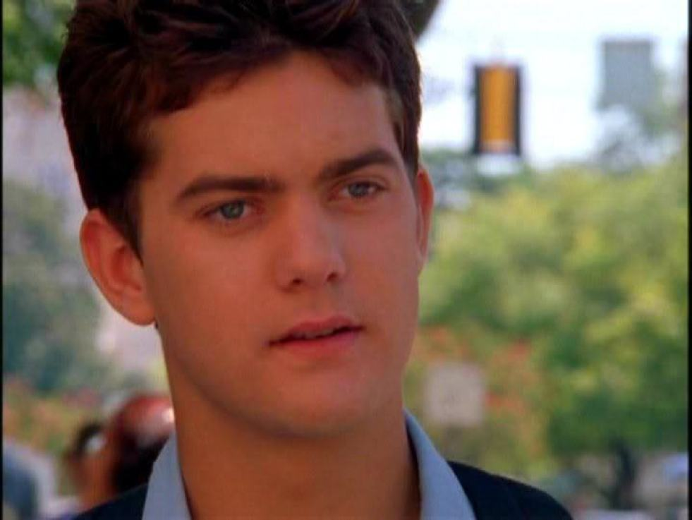 Shout outs to Pacey Witter. Realest nigga on the Creek #iOwnTheDVDs #JudgeYaMa #NoSeriouslyItsAnAwesomeShowMaybeConsiderWatchingItWhenYouHaveSomeTime