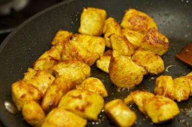 Gele curry met groene groente 34