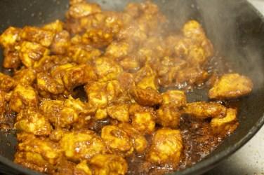 Stokbrood met kip en gele curry 32