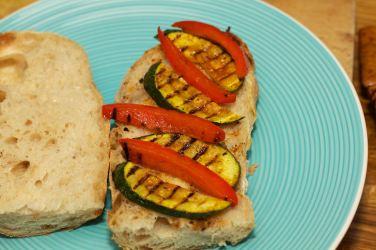 Broodje Thaise kip en gegrilde groente 34