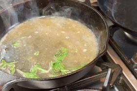Saltimbocca en een salade met chocotoms 21