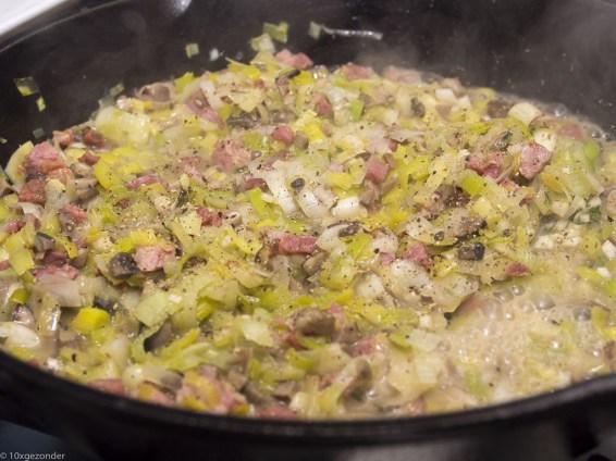 Romige pasta met prei, champignons en spekjes (32 van 40)