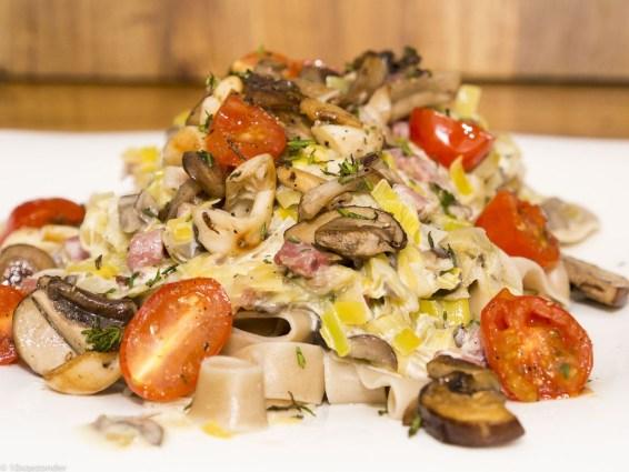 Romige pasta met prei, champignons en spekjes (39 van 40)
