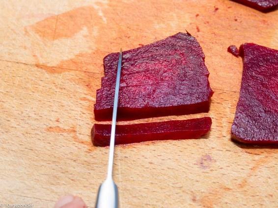 Roze pannenkoek met adzuki kiemen en mierikswortelsaus-26