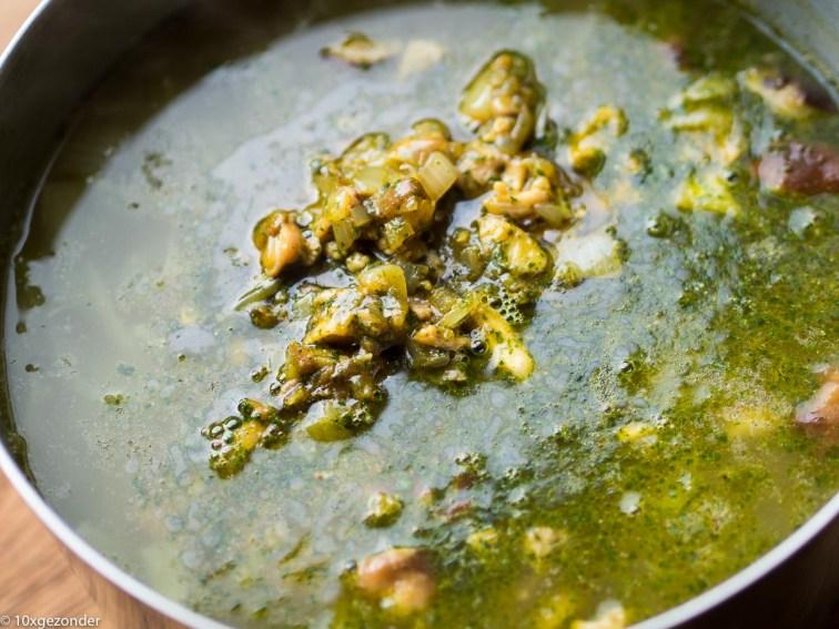 Aziatische groentesoep met kip-15