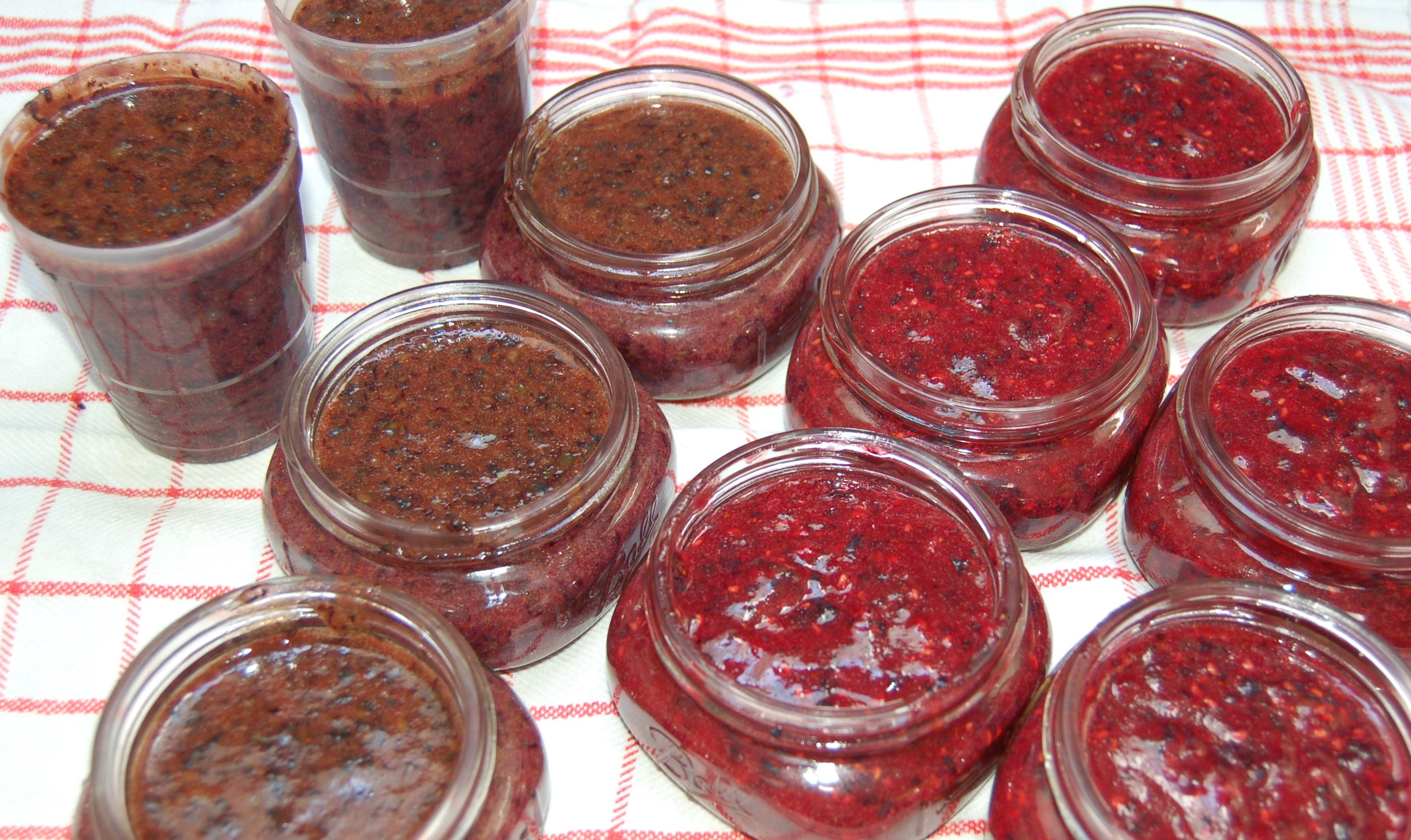 Berry jam setting up