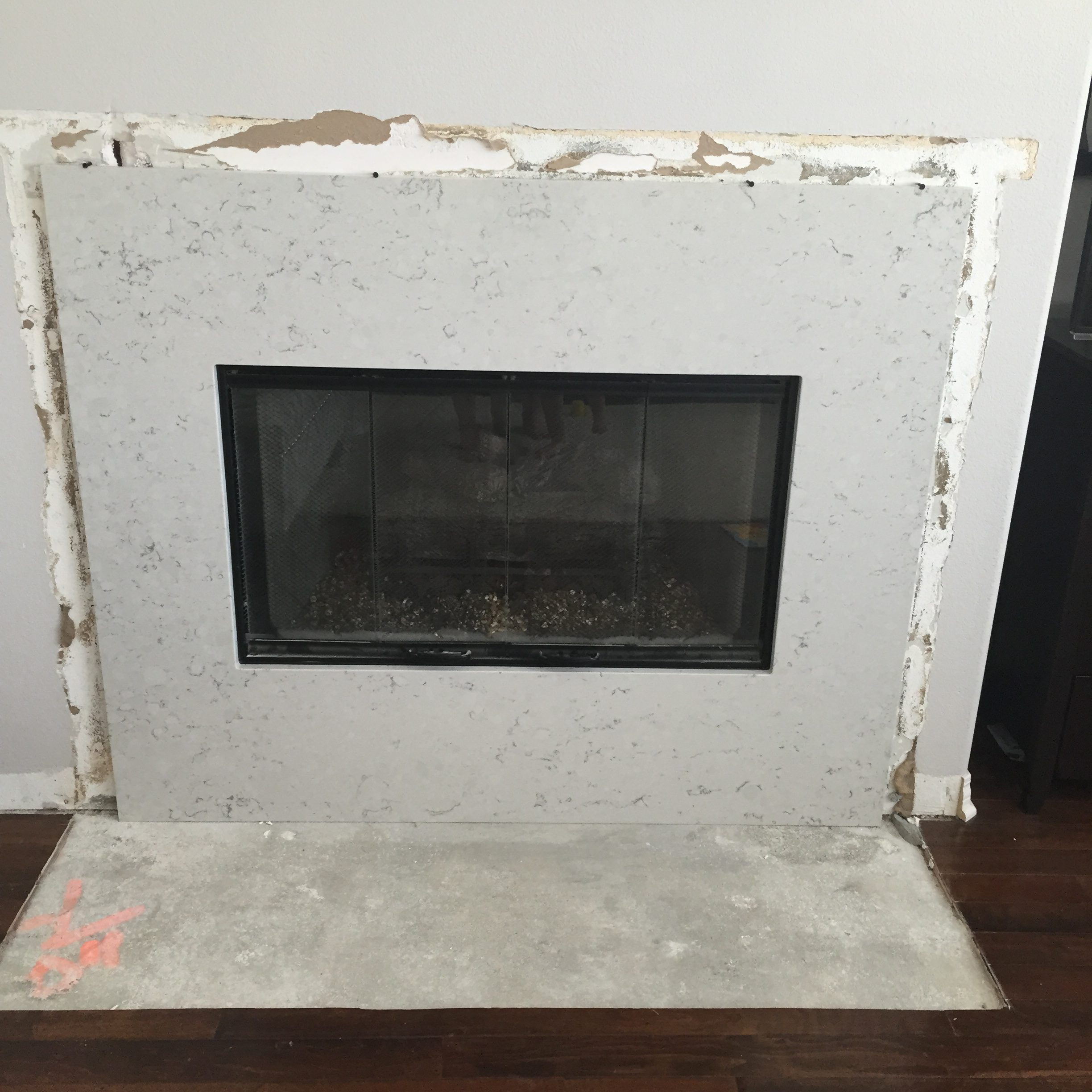 Tips For Designing And Renovating A Tract Home Fireplace